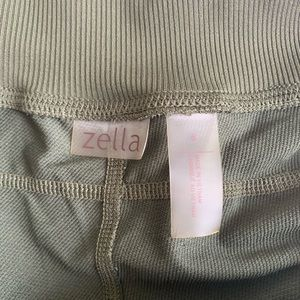 Zella Pants - Zella Move it crops adjustable ruched sides